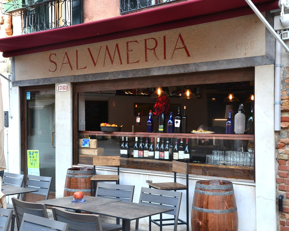 Salumeria Bacaro Contemporaneo, Contemporary Bar Venice Italy, Best snack bars in Venice, Bars in Via Garibaldi Venice, Where to eat near Biennale Venice, Bars in Castello Venice